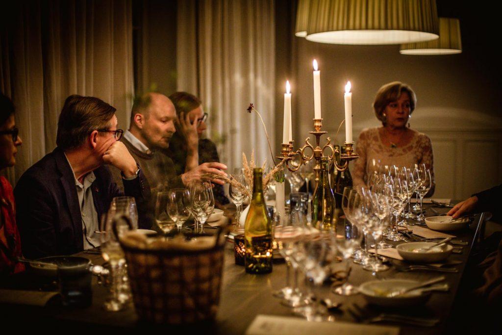 Vetgiriga gäster på Almåsa Havshotell